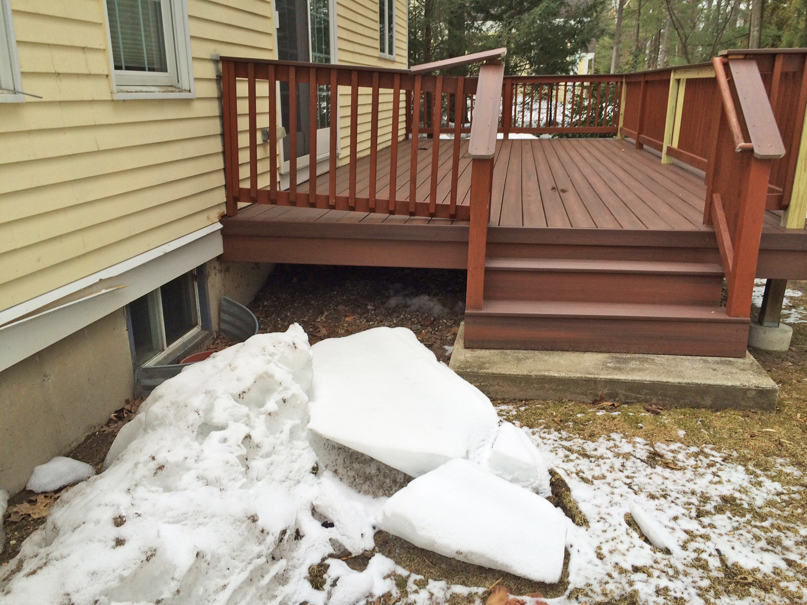 Will Snow Damage My Deck This Winter Tips For Clearing